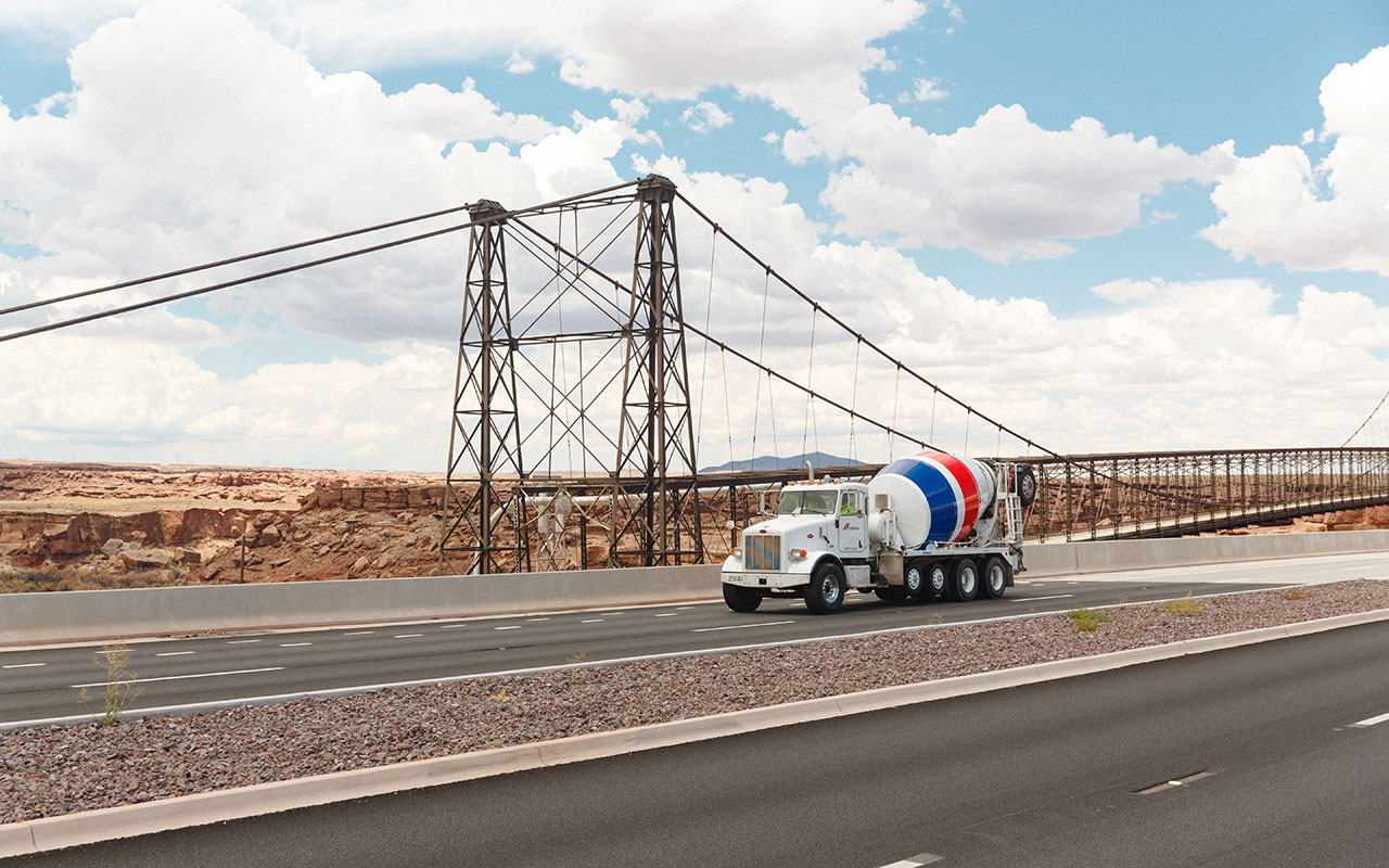 CEMEX supplied over 20,000 cubic yards of concrete for the reconstruction of the Arizona section of the Cameron Bridge, in U.S.   Credits: CEMEX